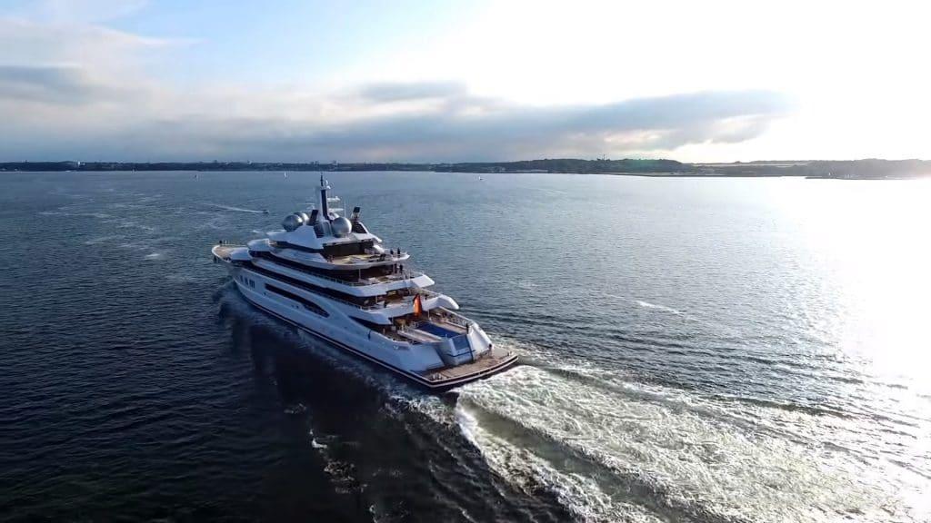 luxury yacht lurssen amadea